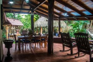 Beachfront Villa Bonita, Vily  Santa Teresa - big - 17