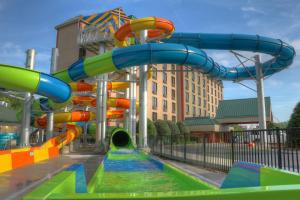 Country Cascades Waterpark Resort, Hotels  Pigeon Forge - big - 1