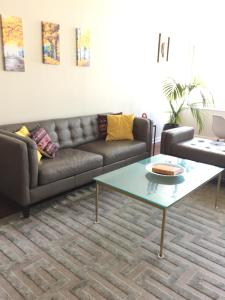 California Modern, Chic Apartment - SF Bay Area, Apartmány  Emeryville - big - 14