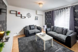 Brownhill Property, Apartmanok  London - big - 44
