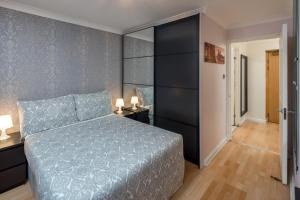 Brownhill Property, Apartments  London - big - 41