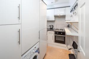 Brownhill Property, Apartmanok  London - big - 40
