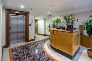 Brownhill Property, Apartmanok  London - big - 67