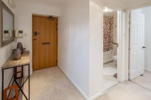 Brownhill Property, Apartmanok  London - big - 65