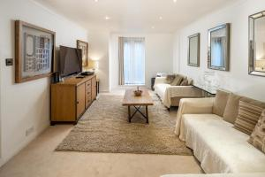 Brownhill Property, Apartmanok  London - big - 60
