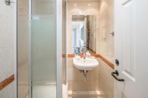 Brownhill Property, Apartmanok  London - big - 55