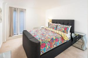 Brownhill Property, Apartmanok  London - big - 54