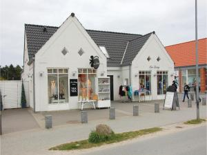 Rie, Ferienhäuser  Blåvand - big - 18