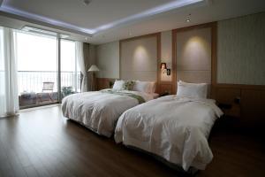 Benikea Hotel Yeosu, Йосу