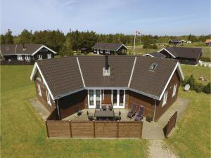 Four Bedroom Holiday Home in Skjern