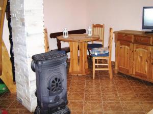 Holiday Home Szymbark with Fireplace I, Prázdninové domy  Szymbark - big - 2