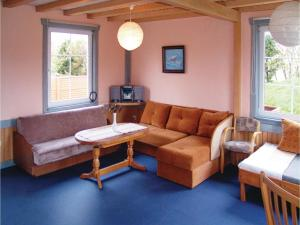 Four-Bedroom Holiday Home in Ustronie Morskie