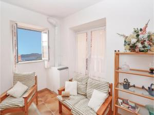 Apartment La Serra-Lerici SP with Fireplace III, Фиасчерино
