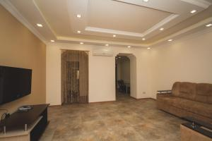 Sweet Home, Apartmány  Yerevan - big - 26