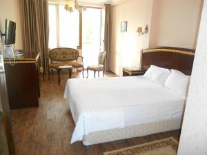 Green Hall Hotel, Hotels  Estosadok - big - 80