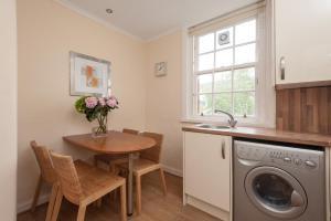 Canongate Apartment, Apartmány  Edinburgh - big - 7