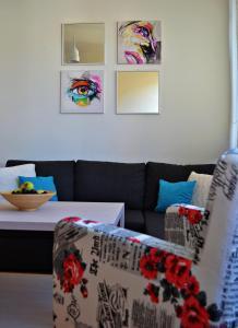SarLux City Center Apartment - фото 11
