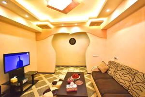 Cozy Three Rooms Republic Square in Center Yerevan, Apartments  Yerevan - big - 18