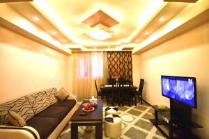 Cozy Three Rooms Republic Square in Center Yerevan, Apartments  Yerevan - big - 16