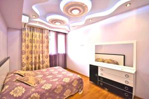 Cozy Three Rooms Republic Square in Center Yerevan, Apartments  Yerevan - big - 14