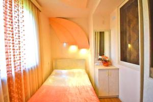 Cozy Three Rooms Republic Square in Center Yerevan, Apartments  Yerevan - big - 8