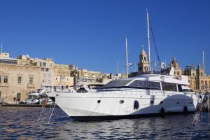 Riti Yacht