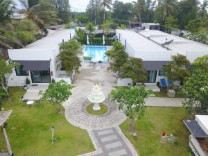 A Picture of Loft Caravan Resort
