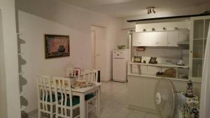 Estella, Апартаменты  Неа-Фокия - big - 9