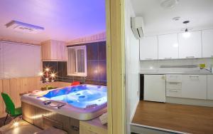 Green Hill Pension, Дома для отпуска  Пхёнчхан - big - 61