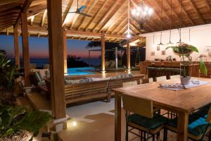 Cala Luxury vacation Homes, Villen  Santa Teresa - big - 17
