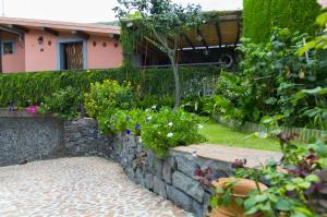 Etma, Bed and Breakfasts  Sant'Alfio - big - 99