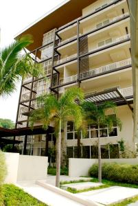 Pico de Loro - Vacation Homes, Апартаменты  Nasugbu - big - 27