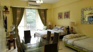 Pico de Loro - Vacation Homes, Апартаменты  Nasugbu - big - 5