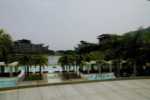 Pico de Loro - Vacation Homes, Apartments  Nasugbu - big - 12