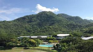 Pico de Loro - Vacation Homes, Апартаменты  Nasugbu - big - 11