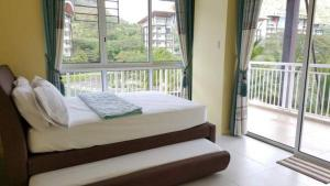 Pico de Loro - Vacation Homes, Апартаменты  Nasugbu - big - 6