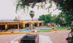 Quinta Cobos, Alloggi in famiglia  Tequisquiapan - big - 1