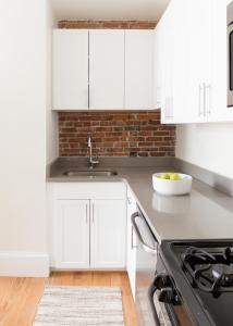 Two-Bedroom on E Springfield Street Apt 3, Apartmanok  Boston - big - 14