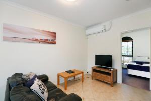 West Beach, Apartments  Perth - big - 2