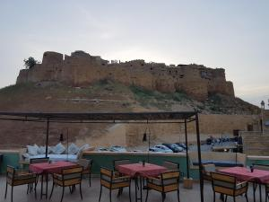 1st Gate Home- Fusion, Hotely  Jaisalmer - big - 42