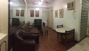 Makati Suites at Travelers Inn, Apartmánové hotely  Manila - big - 3