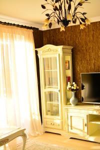 Unique, Ferienwohnungen  Braşov - big - 5