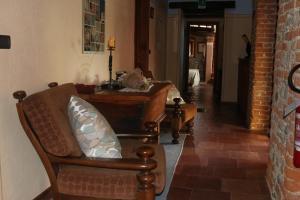 Locanda Dei Gelsi, Гостевые дома  Villar San Costanzo - big - 29