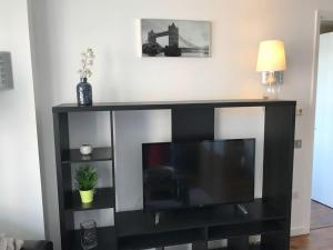 2 Bedroom Apartment @ New Providence Wharf, Apartmány  Londýn - big - 3
