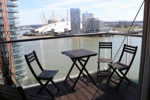 2 Bedroom Apartment @ New Providence Wharf, Ferienwohnungen  London - big - 2