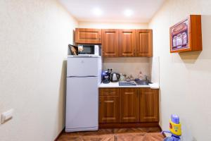 Kon-Tiki Boutique Hotel, Bed & Breakfasts  Sankt Petersburg - big - 82