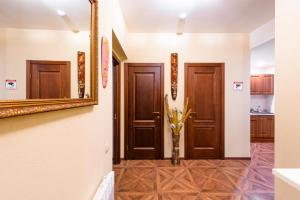 Kon-Tiki Boutique Hotel, Bed & Breakfasts  Sankt Petersburg - big - 80