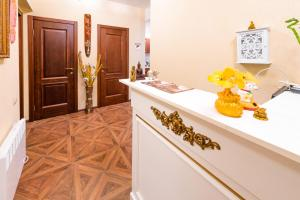 Kon-Tiki Boutique Hotel, Bed & Breakfasts  Sankt Petersburg - big - 83