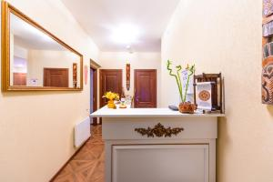 Kon-Tiki Boutique Hotel, Bed & Breakfasts  Sankt Petersburg - big - 84