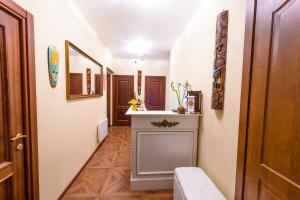 Kon-Tiki Boutique Hotel, Bed & Breakfasts  Sankt Petersburg - big - 79